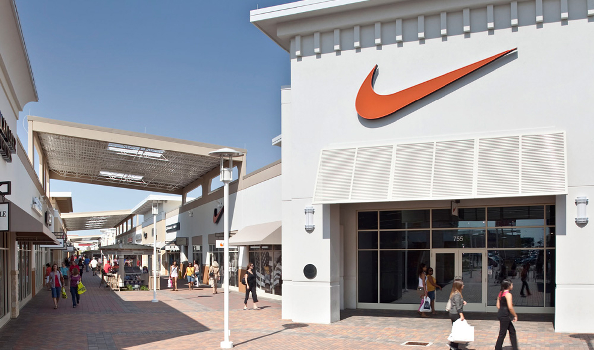 Do business at grand prairie premium outlets a simon for International decor outlet georgia
